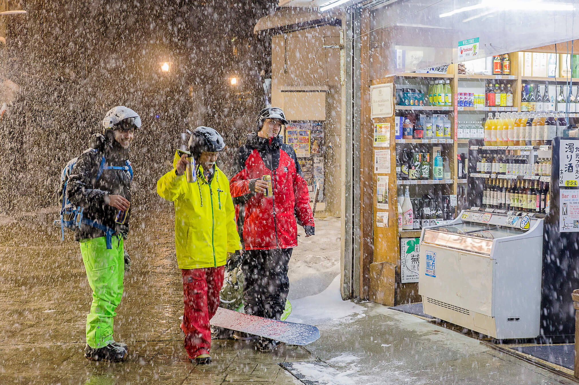 Apres Ski beers with Nozawa local during Powder Culture Tour with First Tours